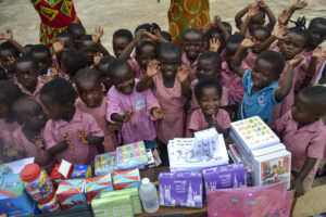 Ghana, materiales escolares