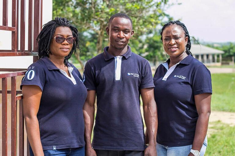 Trabajadores locales de Ghana