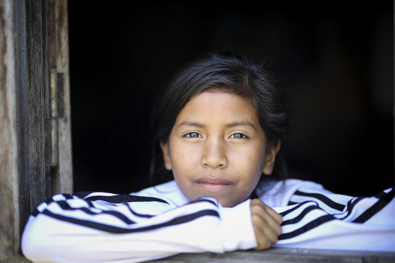 Una niña Toba en Chaco, Argentina