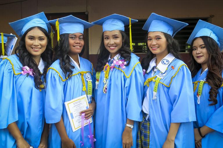 Graduación en Taytay, Filipinas