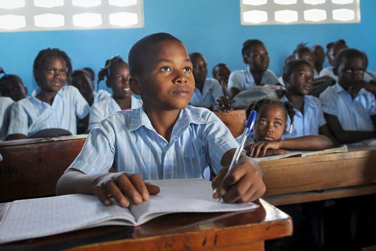 Estudiantes en Boyer, Haití