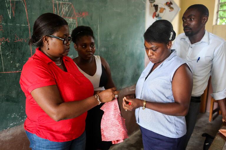 Myrtha colegio vocacional Haití