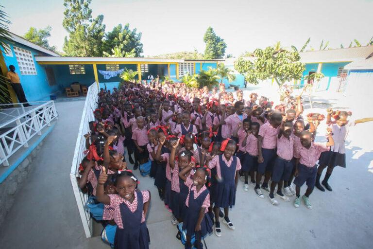El colegio en Jeanton, Haití