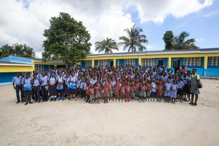 El colegio en Hesse, Haití
